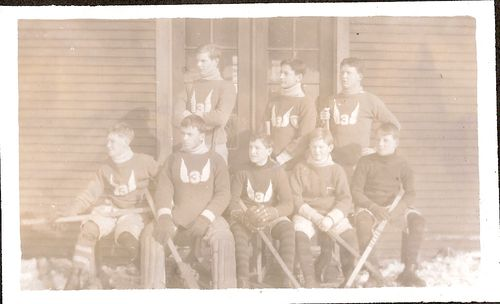 38 IIIA Hockey Team 1913