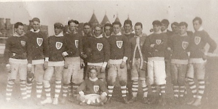 15-1st Football Team -12-